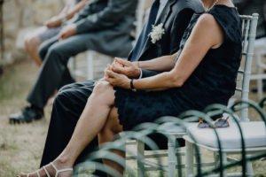 """GFotografen: Gregor und Lena Enns www.enns-fotografie.dehttps://www.facebook.com/enns.fotografie/Link zu den Bildern: https://enns-fotografie.pixieset.com/einsendung-toscanaweddingWeddingplaner: Claudia Gambacciani von """"Blossomy"""" event creation and planning www.blossomy.itClaudia ist eine kleine und wirklich zauberhafte Person. Ansässig ist Sie in Livorno Italien. Mit viel Liebe zum Detail hat Sie das Fest für Lisa und Severin in der Villa Catignano oranisiert. Nicht überladen, sondern eher geradlinig, mediterran mit Boho Einfluss zog war alles in sich stimmig. Location: Villa Catignano https://www.facebook.com/Villa-Catignano-480380235450737/http://www.villacatignano.it/Die Villa Catignano ist ein Traum von einer Location. In der Nähe von Siena liegt sie in der wunderschönen Toskana. Umringt von Jahrhunderte alten Zypressen bietet sie alles was das Herz für eine mediterrane Hochzeit sich wünscht. Ein großer Innenhof , der auch für große Gesellschaften geeignet ist, eine eigene Kapelle, einen kleinen Lustgarten mit Springbrunnen. Die Außenanlage bietet unzählige Möglichkeiten für z.B. freie Trauungen. Die Villa an sich bietet ausreichend Platz um auch die Gäste unterzubringen. Musik: https://www.facebook.com/veeblefetzer/http://www.veeblefetzer.itDie Veeblefetzer sind ein Brass"""